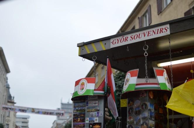 Paseo principal - Tienda de Souvenirs
