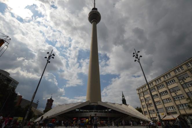 La torre de la televisión, centro de la parte Este, y símbolo de la ciudad.