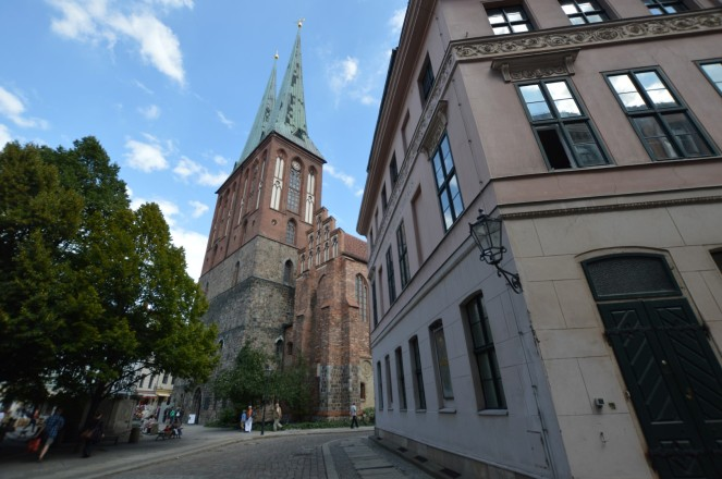 La iglesia de San Nicolas al fondo, centro de este pequeño barrio