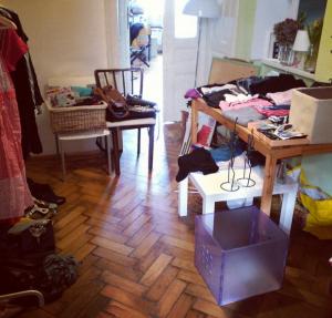 El Flohmarkt que organizamos en casa con mis cosas y las cosas de mis compañeras que ya no nos servían. ¡Fue muy divertido!